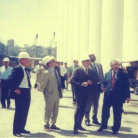Silos Porto di Beirut Visita Ambasciatore F. Mistretta<span>Libano - 2002</span>